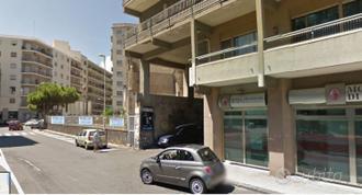 Locale, Ognina-Lungomare De Gasperi, Catania.