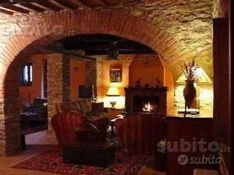 Casali in alta Umbria al confine con la Toscana