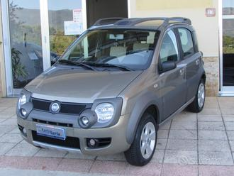 "Fiat Panda 1.3 Multijet 4x4 Cross ""Gancio traino"""
