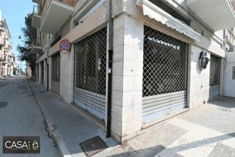 LOCALE COMMERCIALE, CORSO GARIBALDI, CIVITANOVA.