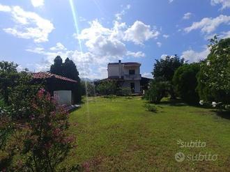 Furnari - La Tuile - Villa su 2 piani con giardino