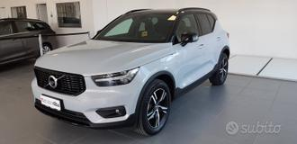 Volvo XC40 (2017--->) T3 GEARTRONIC R-DESIGN