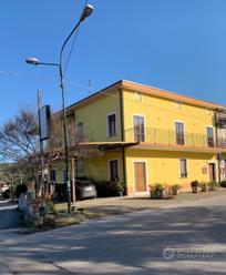 Intero stabile a Matinella di Albanella