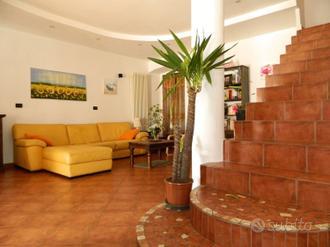 Casa indipendente a Rivoli Via Saluzzo 4 locali