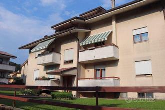 TORREBELVICINO: TRICAMERE con due terrazzi e taver