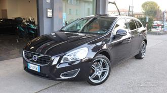 VOLVO V60 D5 AWD 4x4 Geartronic Summum TETTO ACC