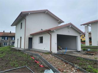 Angera - Villetta singola di nuova costruzione