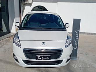 PEUGEOT 5008 2.0 HDi 163CV aut. Business