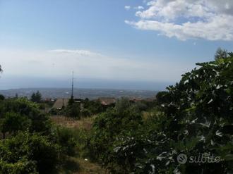 SANT'ALFIO - Terreno edificabile con casetta rural