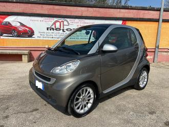 Smart fortwo 800 40kw coupe' passion cdi
