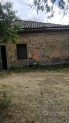 LINGUAGLOSSA- terreno con fabbricato ruraleT1/1530
