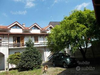 Trino(VC)-casa indip. mq. 350-giardino-rimesse