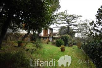Castellina in Chianti: Villa indipendente su 2 pia