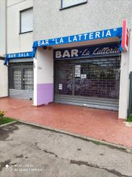 Locale commerciale Bar