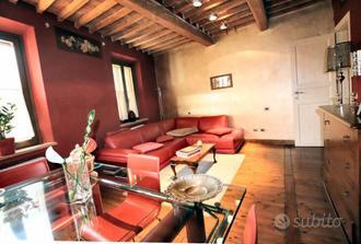 Casa indipendente a Lucca, 4 locali
