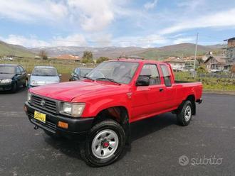 Toyota Hilux 2.4 DIESEL CASSONE LUNGO