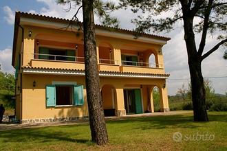 Villa con giardino a Centola