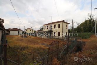 Casa singola con scoperto di 650mq RIF RM001