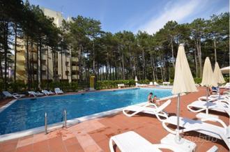 Accademia bilocale con piscina