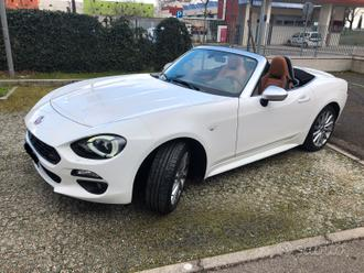 Fiat 124 spider lusso at6