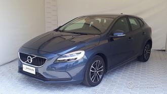 VOLVO V40 T2 Black Edition