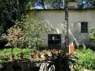Villetta singola con giardino all' italiana