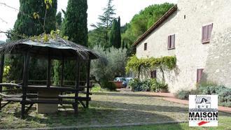 Calenzano zona Travalle, lussuosa villa
