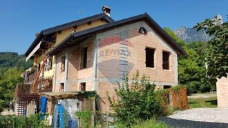 Villa a schiera - San Gregorio nelle Alpi