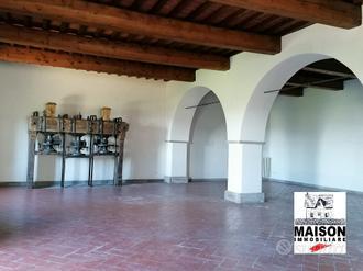 Porzione di antica villa, 400 mq su unico livello