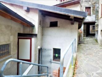 casa indipendente su due livelli