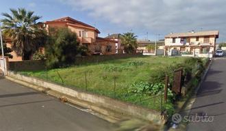 UTA lotto di terreno edificabile su tre strade