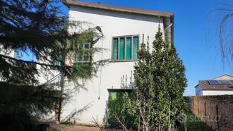 Crespino, villa singola con parco