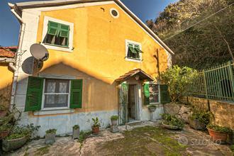 Casa indipendente a Genova, 4 locali