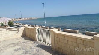 I rent historic waterfront villa in Donnalucata