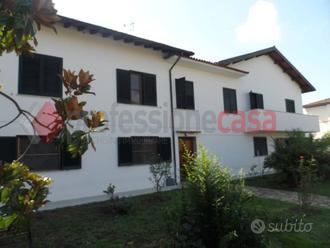 Villa a San Giuliano Terme, 12 locali