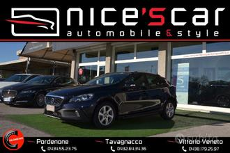 VOLVO V40 Cross Country D2 Geartronic Business *