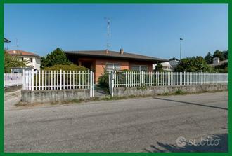 Villa singola su un piano con box di proprietà!!!