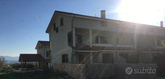 Villetta su 4 livelli con giardino,terrazza,garage