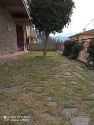 Villetta in quadrifamiliare con giardino