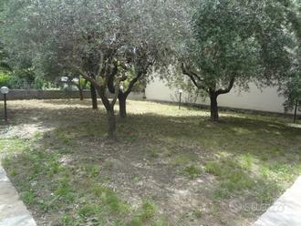 Rif.039 Villa indipendente con giardino e garage