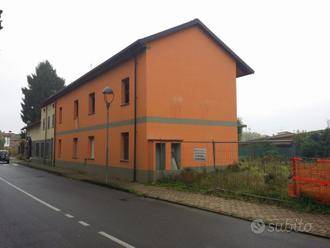 Casa con terreno edificabile