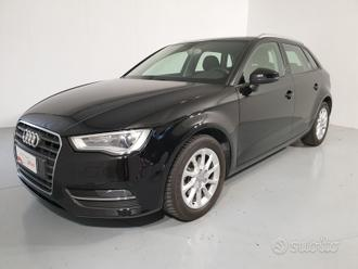 AUDI A3 3 - Attraction