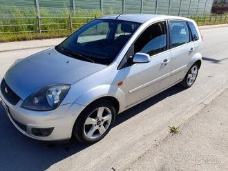 Ford Fiesta anno 2006 full optional 105 mila km