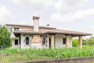 Villa singola in centro a Tiezzo