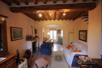 Casa indipendente a Capannori, 4 locali