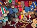 Elmi Caschi Uniformi e Medaglie dal 1800 al 1945