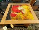 tavolo-quadrato-design-legno-con-figura-centrale
