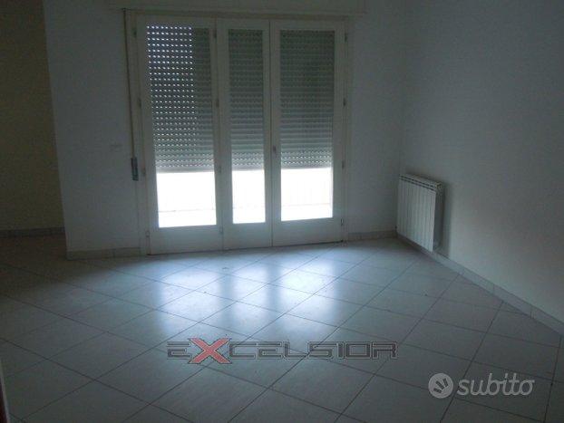 Porto Viro: Appartamento ampi spazi abitativi