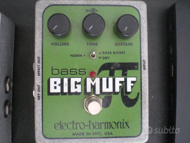 Electro Harmonix Bass Big Muff Pi stomp box