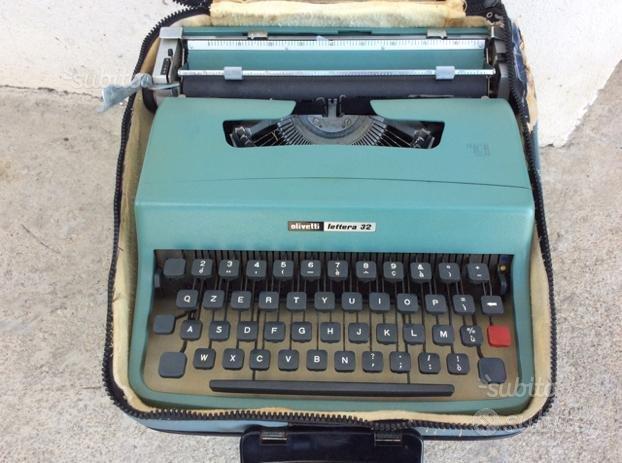 Macchina da scrivere Olivetti lettera 32 originale